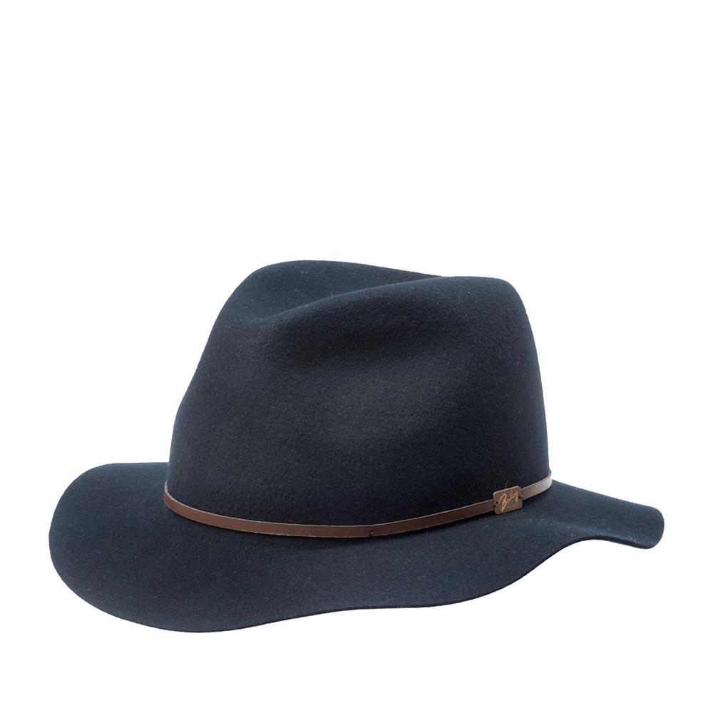 Шляпа федора BAILEYШляпы<br>Jackman - элегантная супер лёгкая шляпа приглушённого синего цвета, весящая всего 110 грамм, выполненная из фетра самого высокого качества для удовлетворения желаний современного путешественника. Эта модель имеет свободную форму и легко складывается трубочкой, чтобы уместиться в вашем кармане или дорожной сумке. При этом она совершенно не теряет своих свойств и отлично держит форму, когда вы расправите её в следующий раз. Чем чаще вы носите и трогаете вашу шляпу, тем лучше она становится, раз за разом приобретая свой индивидуальный характер. Обрезка полей и тонкая кожаная лента вокруг тульи поддерживают её лёгкий и независимый стиль. Отлично подойдёт к любому гардеробу и будет уместна в любой обстановке. В комплекте к ней идёт небольшой мешочек с завязками, в который можно поместить свёрнутую шляпу. Сделана в США.
