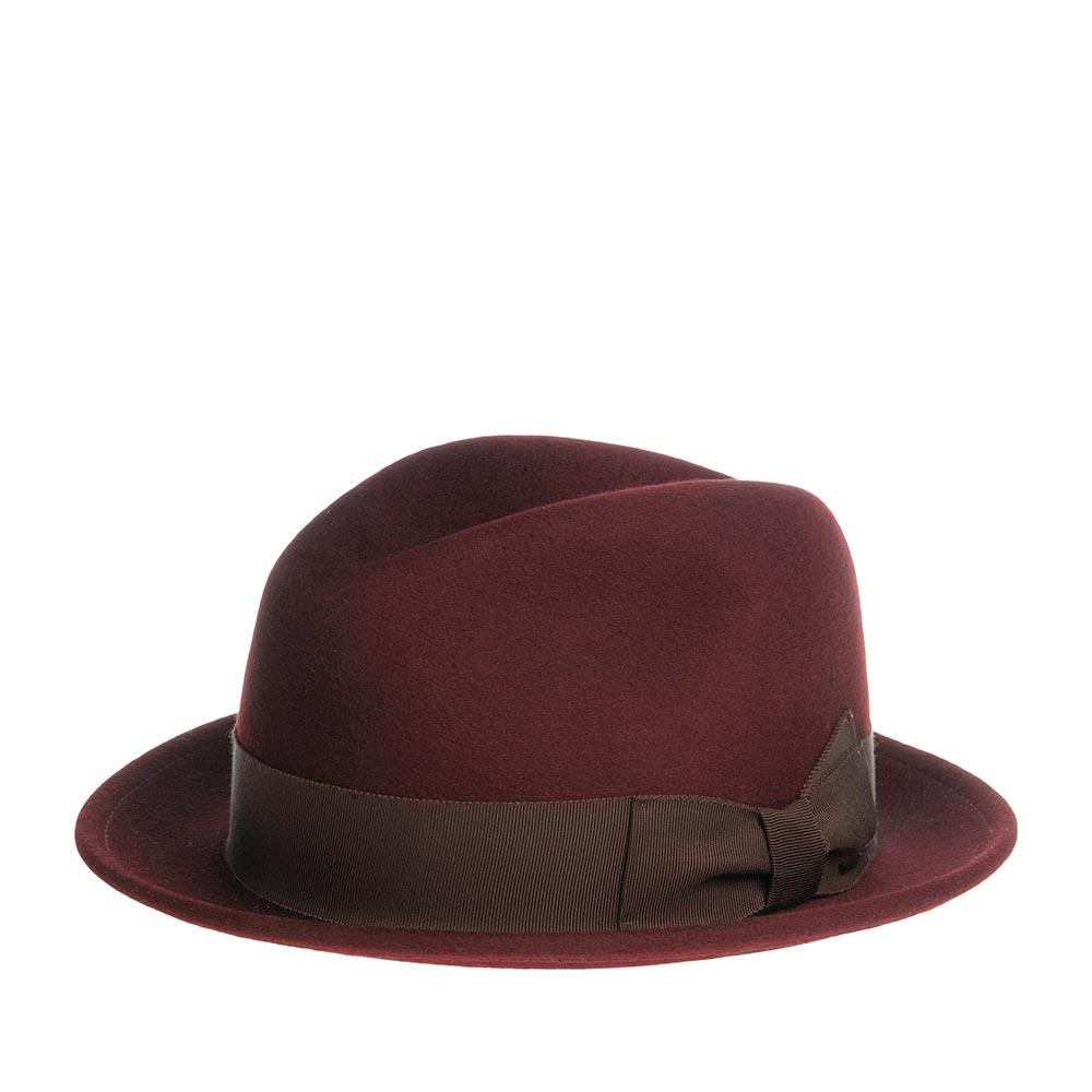 Шляпа трилби BAILEYШляпы<br>RIFF - не просто шляпа - это фирменный стиль от BAILEY. Поверхность фетра бархатистая и очень приятная на ощупь, это говорит о высоком качестве материала. Головной убор прекрасно держит форму и комфортно садится по голове, за счет эргономичной формы тульи и мягкой ленты, пришитой внутри шляпы. Широкая репсовая лента с бантом украшают тулью высотой 9 см. Поля шириной 4,5 см зафиксированы в положение вверх, но их можно регулировать по своему вкусу и предпочтению. Край поля аккуратно загнут - это придает силуэту RIFF целостность. Производство - США.
