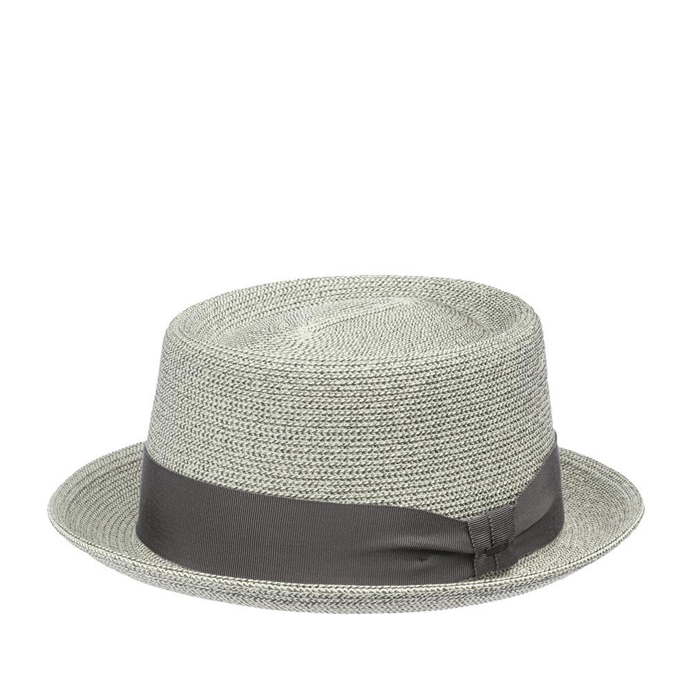 Шляпа поркпай BAILEYШляпы<br>WAITS - летний поркпай от BAILEY. Шляпа изготовлена из бумаги с добавлением полипропиленовых нитей, что придаёт особую прочность и формоустойчивость головному убору. Шляпы из бумаги очень лёгкие, вентилируемые. Тулья украшена лентой с логотипом BAILEY. Внутри по окружности головного убора пришита мягкая многослойная лента из хлопка для комфортной посадки по голове. Высота тульи - 9 см., ширина полей - 4,5 см.