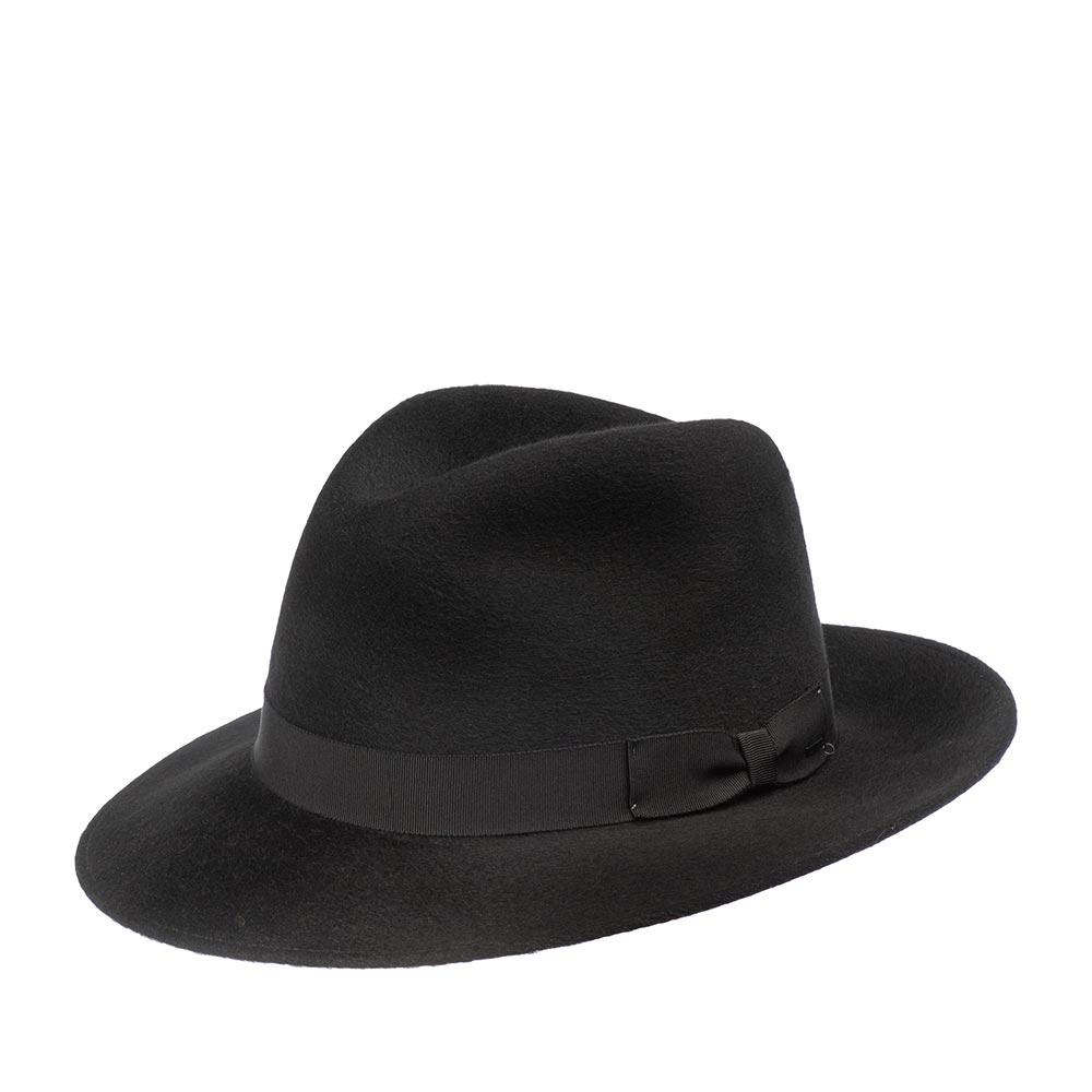Шляпа федора BAILEYШляпы<br>Criss - классическая, комфортабельная федора от Bailey. Это мягкая, лаконичная модель универсального, чёрного цвета, с репсовой лентой вокруг тульи. Шляпа изготовлена в США. Вам понравится этот аксессуар со специальной, ворсистой, слегка лоснящейся финишной отделкой, которая придаёт головному убору лёгкий винтажный шарм. Criss отлично оттенит и одежду тёплых оттенков, и нейтральные, и холодные тона. Вы можете сочетать эту шляпу с пиджаком и джинсами, или платьем и кардиганом, восторженные взгляды Вам обеспечены! Поля средней длины можно изгибать и вверх, и вниз. Внутри головного убора пришиты: шелковистая подкладка и лента для максимально комфортной посадки головного убора. Высота тульи - 12 см, ширина полей - 7 см.