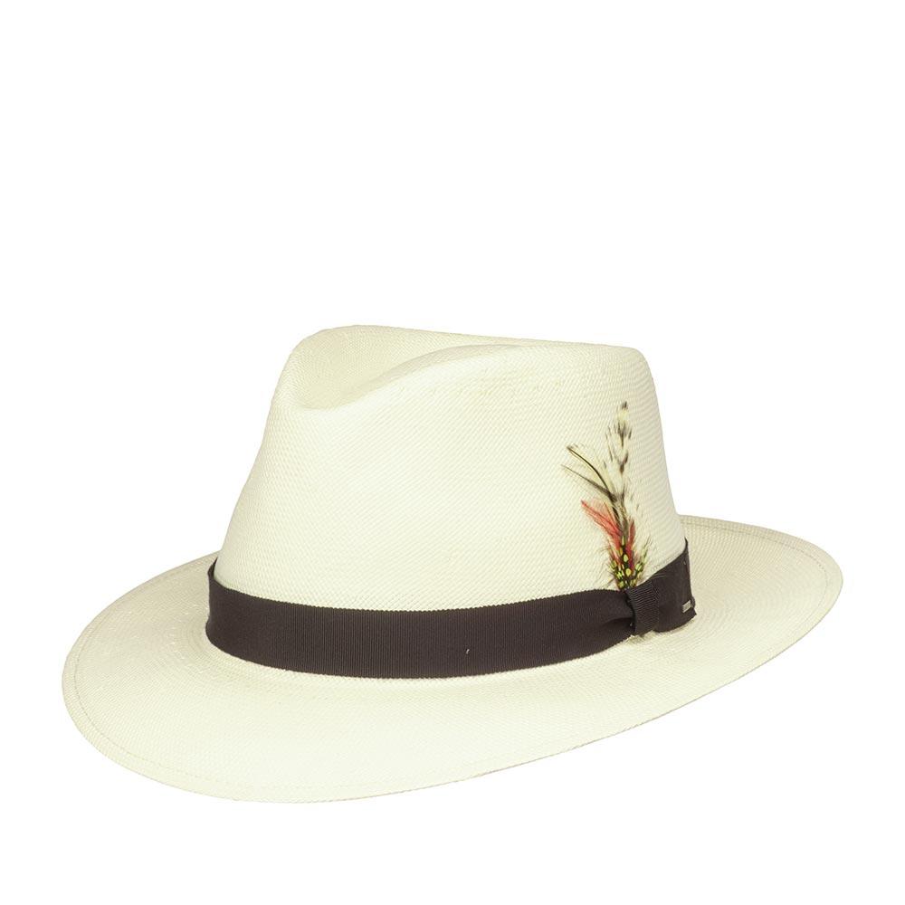Шляпа федора BAILEYШляпы<br>Konrath - летняя шантунговая федора от Bailey. Модель изготовлена в США по специальной технологии LiteStraw, которая делает шляпу прочной, гибкой и водоотталкивающей. При попадании влаги шляпа абсорбирует её, не давая соприкасаться с кожей, а при снятии головного убора - быстро её испаряет. Модель отлично вентилируется и практически не ощущается на голове. Классическая форма федоры подойдёт практически под каждый гардероб и сядет на любую форму лица, а светлый, кремовый цвет шляпы подчеркнёт летнюю лёгкость образа. Материал головного убора пластичен, хорошо садится на голову. Поля можно полностью поднять наверх, либо классически отогнуть переднее поле вниз, это обеспечит защиту глаз от солнца в жаркие летние дни. Тулья модели украшена лаконичной лентой контрастного чёрного цвета с простым бантом, на который в виде скобки прикреплён логотип бренда Bailey, а также съёмным пером. Внутри пришита мягкая лента для комфортной посадки на голову. Высота тульи в видимой части - 11,5 см, ширина полей - 6,3 см.