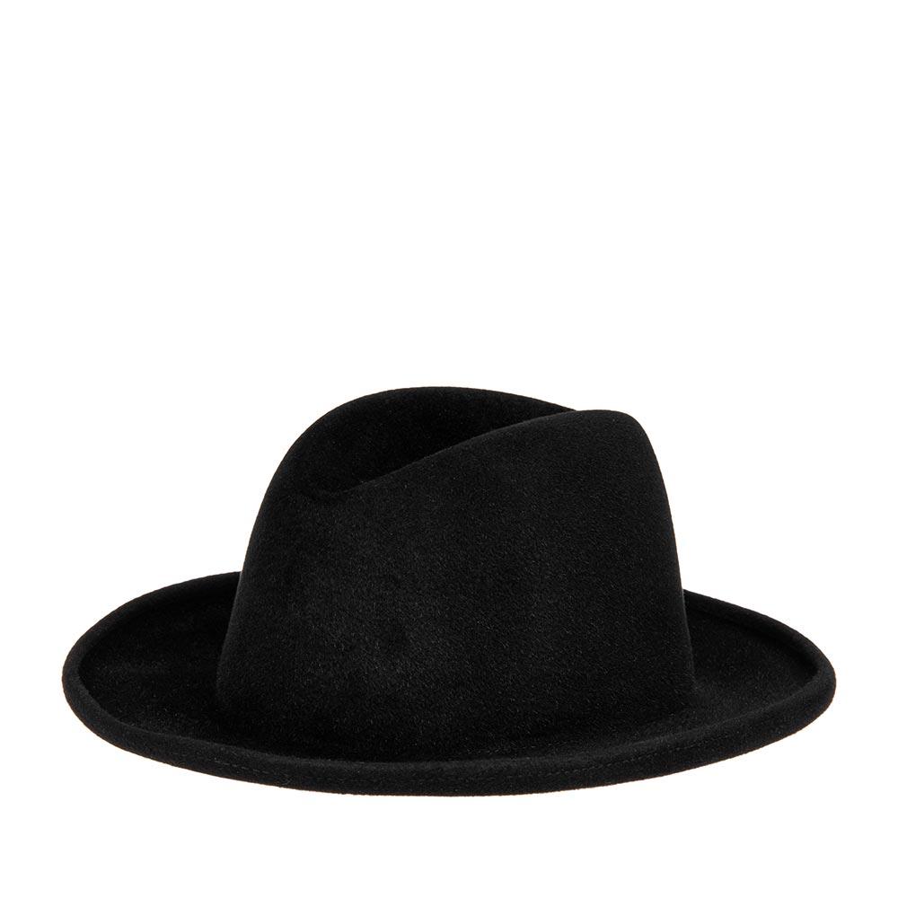 Шляпа федора BAILEYШляпы<br>BRADFORD - классическая шляпа от BAILEY, изготовленная из превосходного пуха кролика и бобра. В этой модели нет ничего лишнего, только доведенные до совершенства линии, создающие идеальный силуэт головного убора. Тулья высотой 9 см с продольной вмятиной. Края полей загнуты вверх, а их ширина составляет 6 см. Внутри шелковая подкладка с рисунком и мягкая лента по окружности для удобной посадки на голове. Производство США.