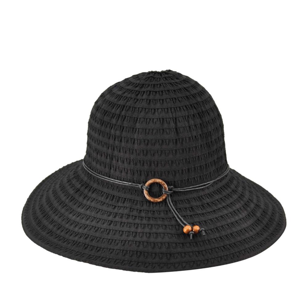 Шляпа с широкими полями BETMARШляпы<br>Лёгкая летняя модель широкополой шляпы, украшенной тонким ремешком с деревянной застёжкой.