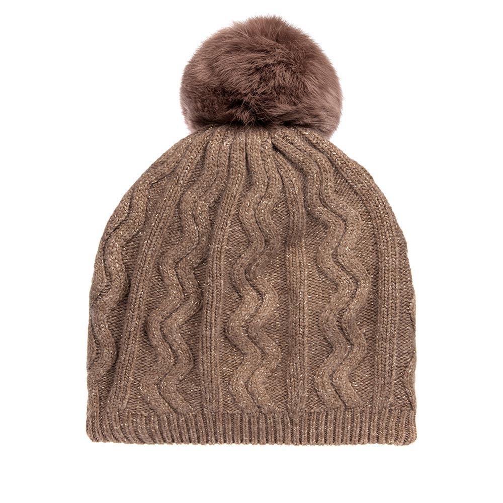Шапка с помпоном R MOUNTAINШапки<br>Тёплая вязаная шапка с добавлением ангоры и с помпоном из НАТУРАЛЬНОГО МЕХА. Идеальна для зимних холодов. Фасон шапки придаёт образу своей обладательницы необычайную нежность и женственность, а приятный на ощупь материал дарит ощущение тепла и комфорта. Сочетать этот головной убор можно с любыми цветами гардероба. Помпон выполнен из натурального кроличьего меха.